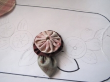 ヨーヨーキルトの薔薇 アップリケ (3)