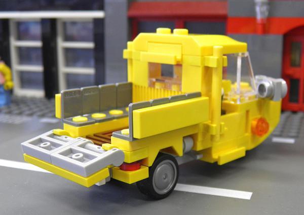 yellowauto3_2.jpg