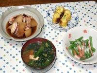 2/8 夕食 イカ大根、桜えび入り玉子焼き、いんげんとベーコンの炒めサラダ