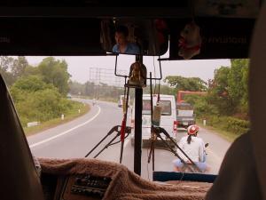 1306_Hue-DaNang-bus-004.jpg