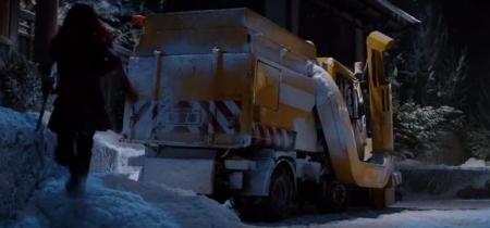 除雪車を武器に