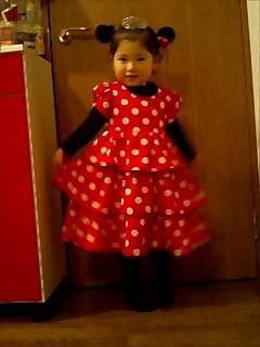 そら3歳ミニーちゃんドレス2
