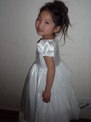 そら6歳結婚式のドレス2