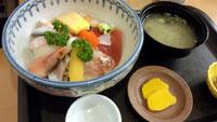 熱海第一ビル内さくら海鮮丼
