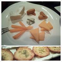 チーズの盛り合わせ&ガーリ