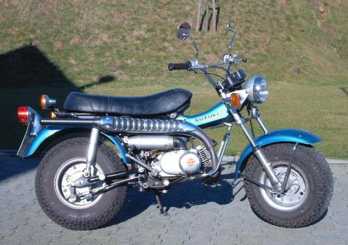 131004_1971_Suzuki_RV_90_TOP.jpg