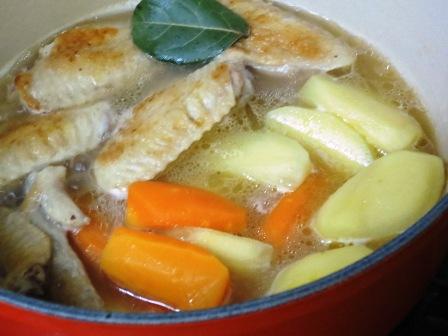 手羽先と春野菜スープ煮 調理煮込み大