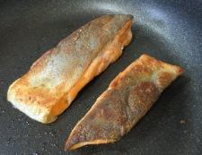 サーモンのピーナッツ醤油ソース フライパン