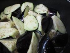 新玉ねぎと茄子のそぼろ煮 調理③
