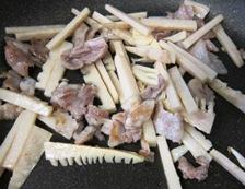 筍と豚肉炒め 調理②