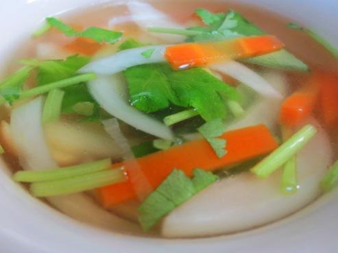 新玉ねぎと三つ葉のスープ大