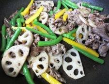 牛肉とレンコンのコチュジャン炒め 調理③