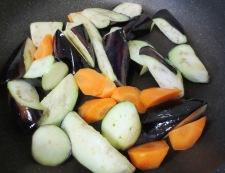 お茄子と牛肉の炊いたん 調理②