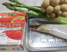 イカとアスパラのトマトパスタ 材料