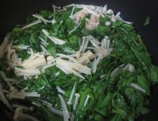 菊菜とえのき茸の煮浸し 調理