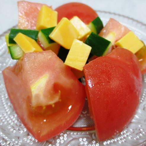 トマトとチーズサラダ大