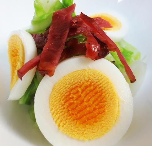 ベーコンと卵のサラダ 大