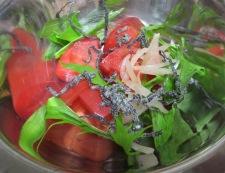 トマトの塩昆布新生姜和え 調理