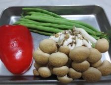 イカといんげんの塩炒め 材料野菜