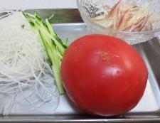 トマトとささみのピリ辛サラダ 材料野菜