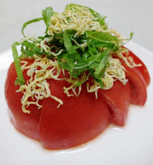 トマトのカリカリじゃこサラダ 大