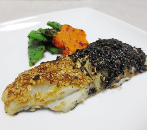 白身魚の二色胡麻焼き 大