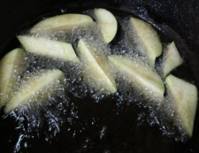 イカと秋茄子の南蛮漬け 調理①