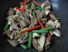 牛肉の黒胡椒炒め 調理②