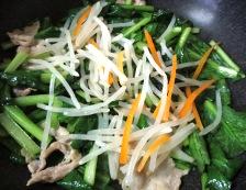 小松菜と豚バラ肉炒め 調理②