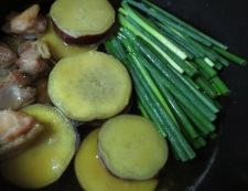 さつまいもと鶏肉の炊いたん調理⑥