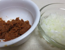 玉ねぎ味噌でナス炒め 味噌材料①