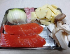 秋鮭ジャーマンポテト風 材料