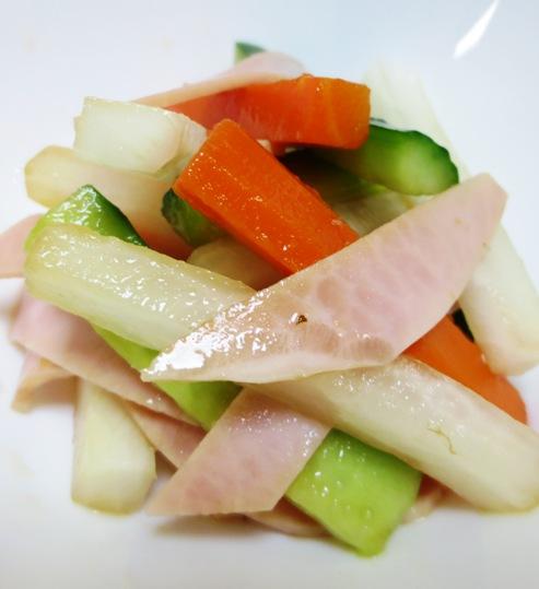 ハムとスティック野菜のサラダ 大