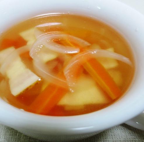 ベーコンと玉ねぎスープ 大