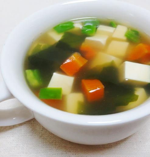 豆腐のワカメスープ B