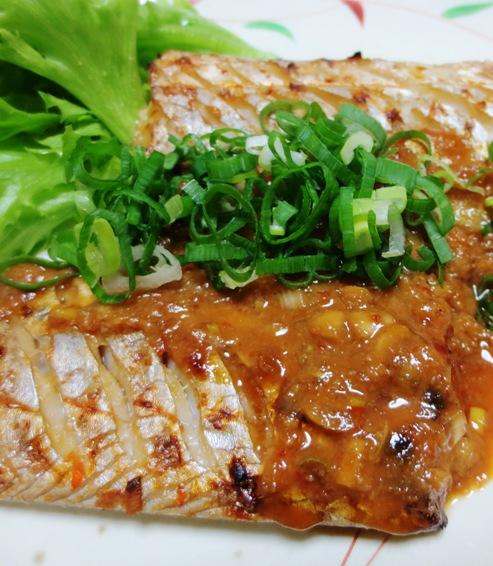 太刀魚の胡麻豆板醤焼き B