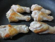 鶏手羽豆腐と結び昆布 調理①