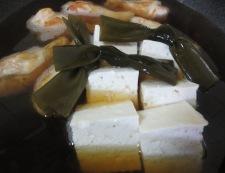 鶏手羽豆腐と結び昆布 調理③