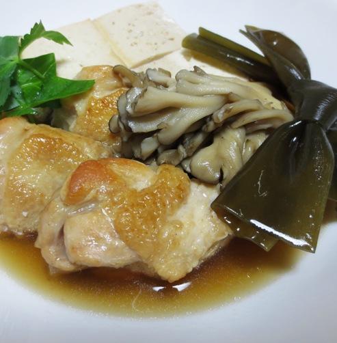 鶏手羽豆腐と結び昆布 大