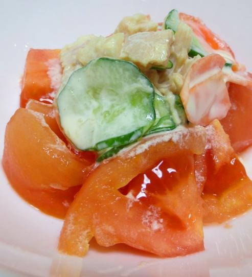 トマトとチキンささみのサラダ B