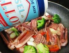 イカゲソとブロッコリーの塩炒め 調理⑤