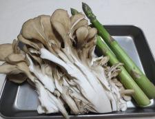 ボイルイカと舞茸の粒マスタード和え 材料②