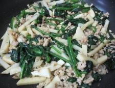 ほうれん草と鶏そぼろの炒め 調理④