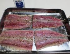 秋刀魚のチーズパン粉焼き 調理②