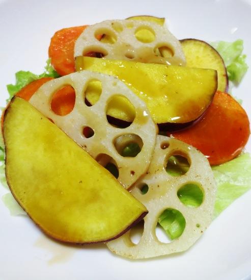 焼き根菜(レンコン、さつまいも、にんじん)のサラダ B