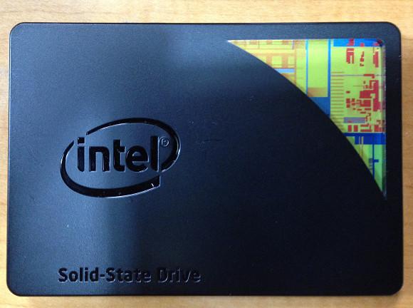 スペーサーをSSDに取り付ける