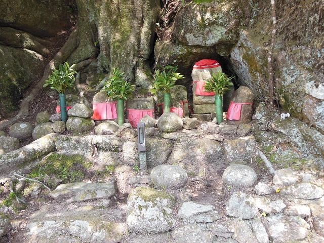 stone Buddha-1