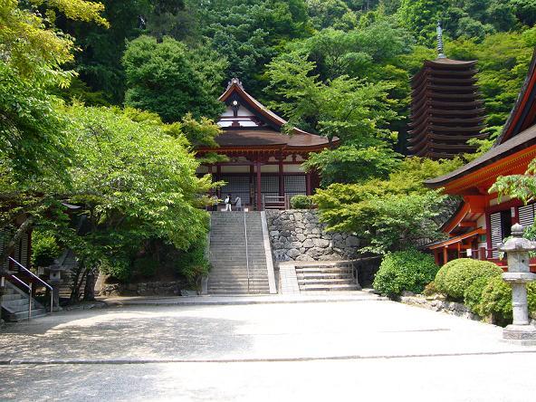 談山神社。 けまり庭
