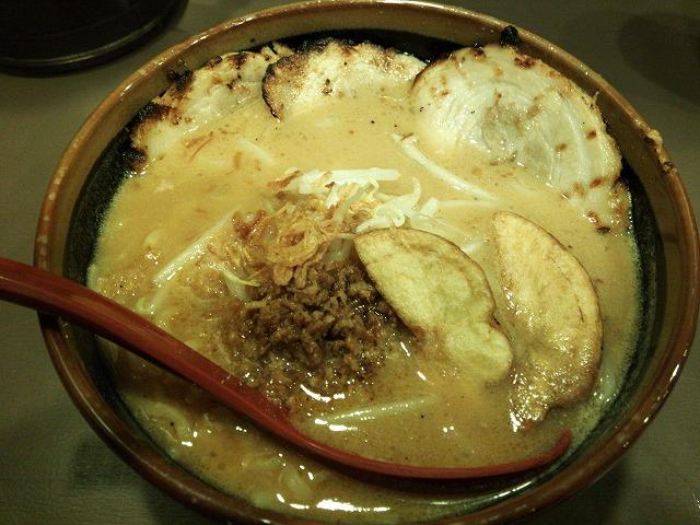 味噌もんてん_北海道味噌 チャーシュー麺01