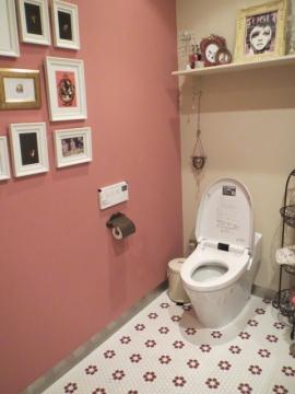 広々ハイセンスな女性化粧室